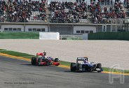 F004.Hamilton.Barrichello.Valencia.02Fev.F1ShortMessage.2010.500x343